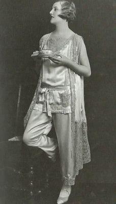 Společenská pyžama okolo 1930, zdroj Pinterest