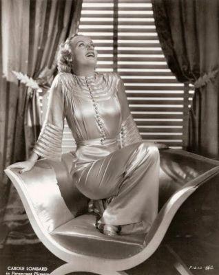 Společenské dámské pyžamo, zdroj Pinterest